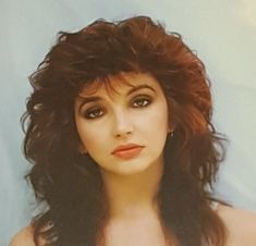 Kate Bush - She might not truly be punk, but it was in this time frame that i first became entranced with Kate Bush's melodies. Hounds Of Love, Something Like You, Funny Adult Memes, Women Of Rock, Elizabeth Montgomery, Paramore, My Favorite Music, Rock Style, Record Producer