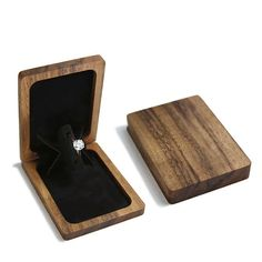 Ideas for jewerly box mirror engagement rings Thin Engagement Rings, Engagement Box, Wooden Ring Box, Wooden Rings, Jewelry Stand, Jewelry Box, Jewellery Boxes, Jewelry Tools, Wood Box Design