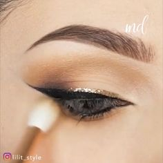 You'll nail your look with one of these unique eye makeup ideas! By Beautifull makeup By: Perfect eye makeup looks! Dark Eye Makeup, Hooded Eye Makeup, Dramatic Makeup, Eye Makeup Tips, Smokey Eye Makeup, Eyeshadow Makeup, Makeup Ideas, Makeup For Small Eyelids, Blending Eyeshadow