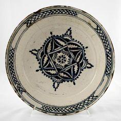 TABAK Turkish Tiles, Blue Tiles, Ancient Art, Earthenware, Chair Design, Ceramic Art, Pottery, Plates, Antiques