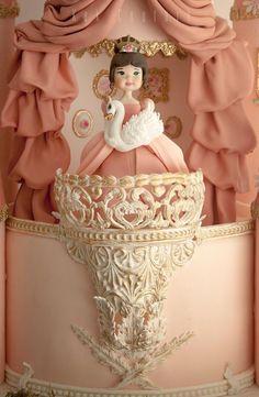 Castle Birthday Cakes, Candy Birthday Cakes, Happy Birthday Cake Images, Mini Tortillas, Fancy Cakes, Cute Cakes, Disney Castle Cake, Disney Themed Cakes, Dummy Cake
