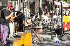 """Florian Randacher am  Grazer Lendplatz 24.4.2013  Zehn Jahre ist´s mittlerweile her, dass Florian Randacher mit seiner Band Ausseer Hardbradler den Hit """"Hoamweh nach BA"""" herausbrachte.  Lange war es still um ihn, jetzt stellte er mit jungen, großartigen Musikern das Trio Chinatown zusammen. Was dabei rauskam, ist absolut hörenswert!"""
