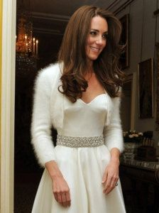 Pin for Later: Kate Middleton's Maternity Style Moments Just Keep Getting Better Kate Middleton Style For her postwedding celebrations, Kate Middleton wore another stunning Sarah Burton for Alexander McQueen dress. Looks Kate Middleton, Kate Middleton Wedding Dress, Estilo Kate Middleton, Kate Middleton Outfits, Princess Kate, Real Princess, Second Wedding Dresses, Second Weddings, Dress Wedding