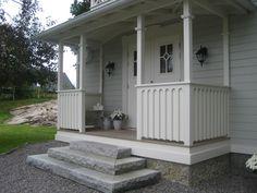 Farstukvist Back Porches, Small Porches, Front Porch, Small Spaces, Entrance, Pergola, Cottage, Backyard, Outdoor Structures