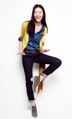i love the perfectly mis-matched denim with a bright pop of color.