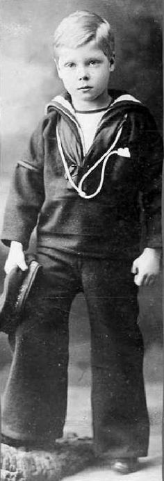Edward VIII sailor suit about 5-6 years of age,1901.
