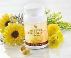 Bee pollen is a holistic remedy used throughout the world. Unfortunately the vast amount of uses that pollen can be used for are often overlooked. What is Pollen? Bee Pollen is made by honeybees, a… Forever Living Aloe Vera, Forever Aloe, Allergies Au Pollen, Natural Allergy Relief, Le Pollen, Bee Propolis, Forever Business, Chocolate Slim, Acide Aminé