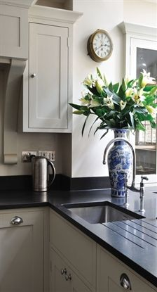 Choosing Your New Kitchen Countertops Taupe Kitchen Cabinets, Kitchen Black Counter, Kitchen Worktop, Kitchen Paint, Kitchen Redo, Kitchen Flooring, Kitchen Countertops, Kitchen Remodel, Kitchen Design