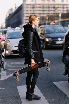 ankle boots backpack leather sleeve coat model off duty Paris Fashion Week AW 2015 Paris street style skateboard winter coat Milan Fashion Weeks, New York Fashion, Paris Fashion, Stockholm Street Style, Paris Street, Skate Girl, Vanessa Jackman, Model Street Style, Fashion Models