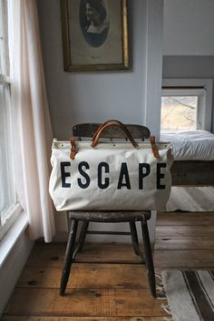ESCAPE Canvas Utility Bag NEED!