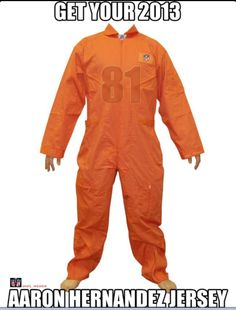 We have Orange Prison Jumpsuit for sale, this one-piece uniform is great for Prison and Jail and Terrorist costume. Patriots Football, Football Girls, Football Memes, Sports Memes, Football Season, Funny Sports, Florida Gator Memes, Nfl Jokes, Prison Jumpsuit