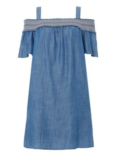 Stay on trend this summer in this charming bardot dress, featuring a shirred design on the shoulders. This piece is also crafted with tencel fabric for a soft feel. Style with wedge heels and a sun hat for pure elegance. Denim tencel bardot dress Shirred design Tencel fabric Model's height is 5'11