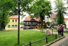 Historische Häuserzeile rund um die St. Marien-Andreas-Kirche
