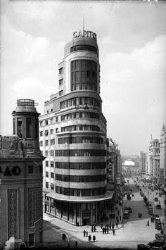 Edificio Capitol en la Plaza de Callao. Entre 1932 y 1936.
