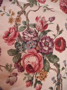 VINTAGE ?TREMAYNE SANDERSON LINEN FABRIC  FLORAL LARGE AMOUNT 80 X 50 INCH