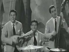 Tu Vuò Fà L'Americano(Renato Carosone) - We No Speak Americano(Yolanda Be Cool & DCUP)