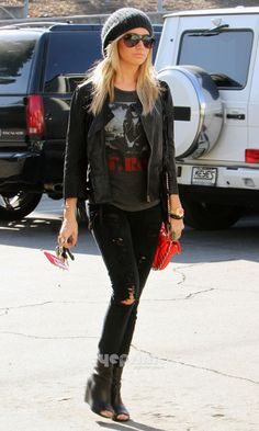 Ashley Tisdale. Digging her style
