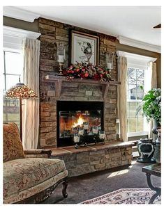Good Images rustic Stone Fireplace Popular Stacked stone fireplaces are undeniably gorgeous and can turn what would otherwise be a plain, borin Brick Fireplace Makeover, Fireplace Hearth, Home Fireplace, Fireplace Remodel, Living Room With Fireplace, Stone Fireplace Decor, Fireplace Ideas, Faux Fireplace Insert, Stone Mantle