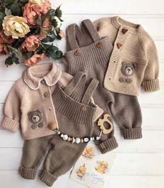 """❤️Fikir amaçlı paylaşımlar❤️'s Instagram photo: """"Çok güzel bi takım olmuş değil mi😍 1-10 arası kaç puan verirsiniz bu güzelliklere 🥰 @krasivo_vyazhem_vrn ❤️ . . #örgü #örgümodelleri…"""" Fur Coat, Knitting, Winter, Sweaters, Jackets, Instagram, Fashion, Cardigan Sweater Outfit, Tejidos"""