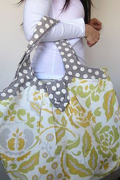 """LOVE this bag! Pattern from """"Amy Butler's Style Stitches: 12 Easy Ways to 26 Wonderful Bags""""."""