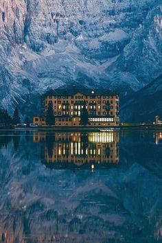 Good Sch ne Architektur Luxus lifestyle Phantasie Alpen Objektive Sonnenschein Great Photos Boathouse Board