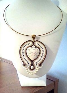 Pandantiv soutache magnezit Soutache Jewelry, Alex And Ani Charms, Pocket Watch, Charmed, Bracelets, Accessories, Fashion, Moda, Fashion Styles