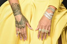 Rihanna jewelry detail attends Fenty Beauty by Rihanna Launch on September 7 2017 in the Brooklyn borough of New York City New York celebrity jewelry Looks Rihanna, Rihanna Love, Rihanna Style, Rihanna Fenty, Rihanna Nails, Unique Hand Tattoos, Tribal Hand Tattoos, Hamsa Hand Tattoo, Tatouage Main Hamsa
