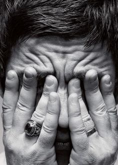 Noel Gallagher by Alan Clarke Liam Gallagher Noel Gallagher, Oasis, Alan Clarke, Primal Scream, Silver Wedding Bands, Rock And Roll Bands, Britpop, Photo Black, Musica