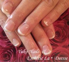 Yuko Nails And Esthetic La Deesse ジェルネイルデザイン♪ (定額制:Gold)永遠の憧れ、フレンチネイル。飽きのこないデザイン♪ Gold Nails, Beauty, Design, Gold Nail, Beauty Illustration, Golden Nails