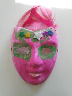 Masque décoré  http://plume-echevelee.over-blog.com/2015/02/carnaval-avant-l-heure.html