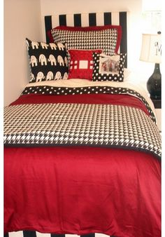 University of Alabama UA Designer Teen & Dorm Bed in a Bag | Teen Girl Dorm Room Bedding Roll Tide www.decor-2-ur-door.com Great Bama fabrics! Create your own!