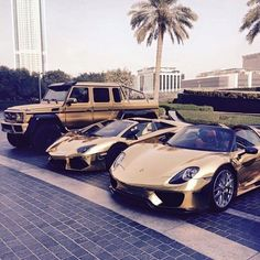 Per sicurezza, dubito di tutto. Left -> Right & Mercedes-Benz AMG & Lamborghini Aventador & Porsche 918 Spyder & The post For safety, I doubt everything. -Cartesio & Verkehrsmittel appeared first on Cars. Maserati, Bugatti, Lamborghini Aventador, Ferrari, Luxury Car Brands, Top Luxury Cars, Suv Audi, Lexus Lfa, Porsche 918 Spyder