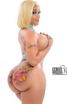Sexy tatuaggio porno