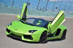 700PS Lamborghini Aventdor LP 700-4 Roadster