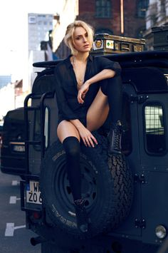 Tiffany and the Land Rover by Robert Sakowski