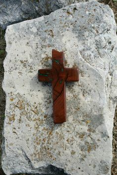 Inlaid OOAK handmade wood cross made from Texas honey mesquite burl, green sand inlay, Christian decor, wall decor, live edge by JackRabbitFlats on Etsy Mesquite Wood, Christian Decor, Tung Oil, Wood Crosses, Leather Projects, Black Pattern, Wood And Metal, Etsy Store, Angels