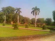 Park in there, Humayun's Tomb, Delhi