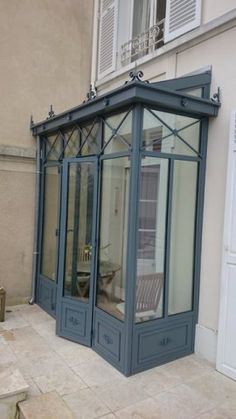 Small Courtyard Gardens, Small Courtyards, Georgian Architecture, Architecture Details, Greenhouse Attached To House, Sas Entree, Glass Porch, Bookcase With Glass Doors, Build Your House