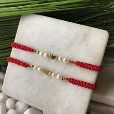 Macrame Bracelet Diy, Bracelet Crafts, Jewelry Crafts, Beaded Anklets, Beaded Jewelry, Handmade Jewelry, Beaded Bracelets, Bracelet Designs, Bracelet Patterns