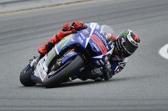 MotoGP Japan: Jorge Lorenzo snatched pole at Motegi from team-mate Valentino Rossi / ツインリンクもてぎMotoGP Japanの予選は、Jorge Lorenzoがポールポジションを獲得した。