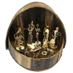 Banana Fiber Arched Nativity Set - Esther Kariuki This Nativity set is handcrafted out of banana fiber wrapped on wire and includes a 10 by 7 inch handmade banana fiber box for storage and display. The tallest piece is 5 inches high. Christmas Store, Christmas Nativity, Christmas Crafts For Kids, Handmade Christmas, Christmas Decorations, Christmas Holiday, Christmas Ideas, Christmas Ornaments, Christmas Villages