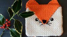 45 cadeaux de Noël à faire soi-même • Hellocoton Crochet Amigurumi, Crochet Fox, Crochet Hats, Quilt Blocks, Hand Sewing, Knitted Hats, Winter Hats, Crochet Patterns, Creations