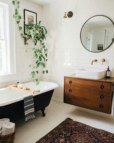 Vintage Farmhouse Kitchen Island Inspirations 1 – – Home Decor İdeas Modern Eclectic Bathroom, Modern Bathroom Decor, Bathroom Interior, Design Bathroom, Bathroom Remodeling, Remodeling Ideas, Bathroom Ideas, Remodel Bathroom, Bathroom Inspo