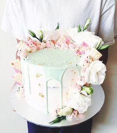 Coconut cake and salted caramel swiss meringue buttercream #margueritecakes