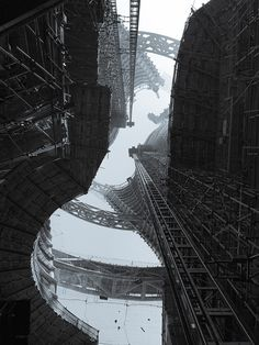 Stunning construction photos of Zaha Hadid Architects' Leeza SOHO tower and its record-setting atrium | News | Archinect