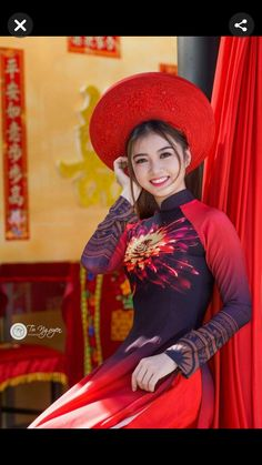 Vietnamese Traditional Dress, Vietnamese Dress, Traditional Dresses, Beautiful Long Dresses, Beautiful Asian Girls, Gorgeous Women, Ao Dai, Cute Girl Pic, Cute Girls