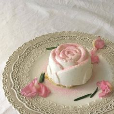 🌹🌹🌹🌹🌼🌼🌼 I don't own any of these pictures👍 Ningúna de e. Cute Food, Good Food, Yummy Food, All I Ever Wanted, No Bake Treats, Aesthetic Food, Sweet Recipes, Bakery, Sweet Treats