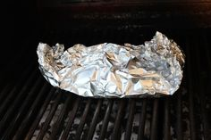 Try this delicious and healthy recipe for tilapia in tin foil on the grill. It's fast, healthy and simple and you can serve a special treat your family will love, in 15 minutes. Tilapia Recipes, Fish Recipes, Snack Recipes, Healthy Recipes, Seafood Recipes, Grilling Recipes, Cooking Recipes, Grilling Ideas, Toasted Potatoes
