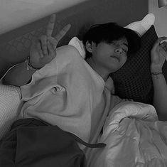 Black Pics, Bts Black And White, Taehyung Selca, Bts Jungkook, Foto Bts, Bts Photo, Taekook, Lawley Kian, Taehyung Photoshoot