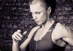 Does Exercising on Empty Stomach Really Burn More Fat? http://weightlossandtraining.com/fasted-cardio-really-burn-fat #fatloss #fatlosstips #weightlossandtraining